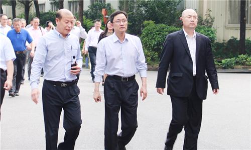 科技部李萌副部长赴广州数控调研科技重大专项成果