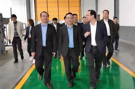 浙江省经济和信息化厅厅长徐旭到日发精机考察指导